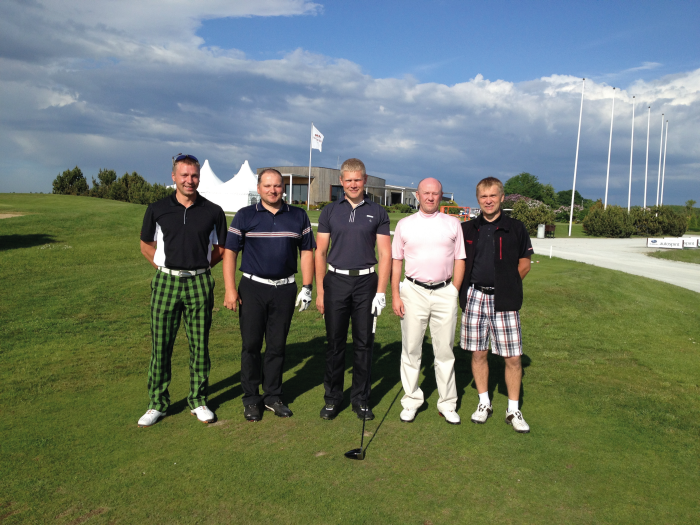 Ajakiri Golf: 24 tundi golfiväljakul ehk mehed ei nuta aastal 2013