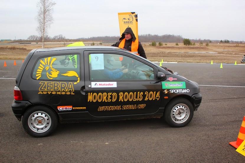 """""""Noored Roolis 2014"""" teine etapp sõideti auto24ringil"""
