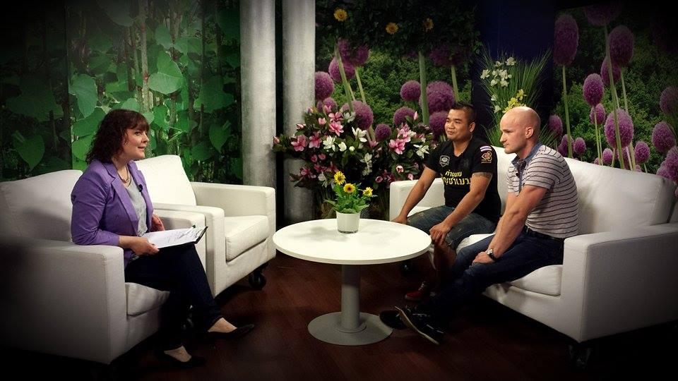 VIDEOINTERVJUU! Tallinna Taipoksi Klubi peatreener Kevin Renno ja Taist pärit treener Mosa Chatchawan treenivad tõelist tahtejõudu