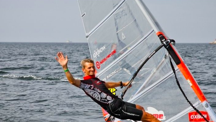 "Surfi maailmameister Martin Ervin: ""Mina prügi maha ei viska!"". Surfilaager 2014 hoiab looduskaitseala prügivabana!"