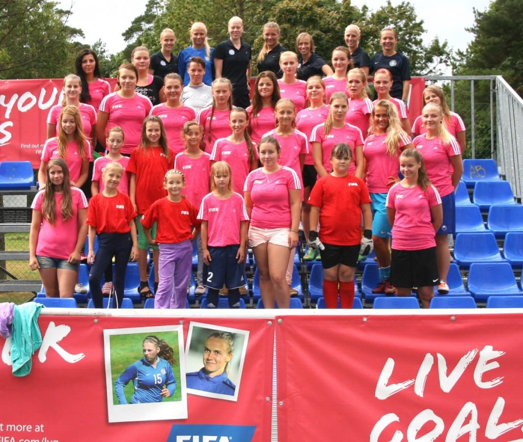 Ida-Virumaa tüdrukute jalgpallifestival pakkus osalejatele palju rõõmu