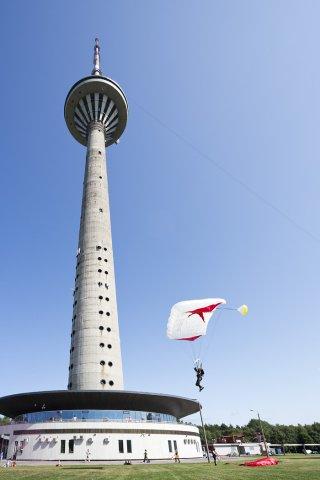 PANE ENNAST PROOVILE! Osale Teletorni trepijooksul maailma tippudega!