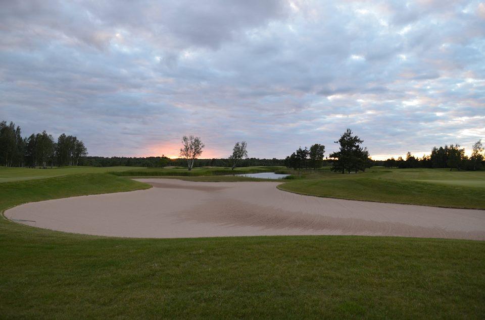 Saare Golf hakkab rootslasi Saaremaale lennutama