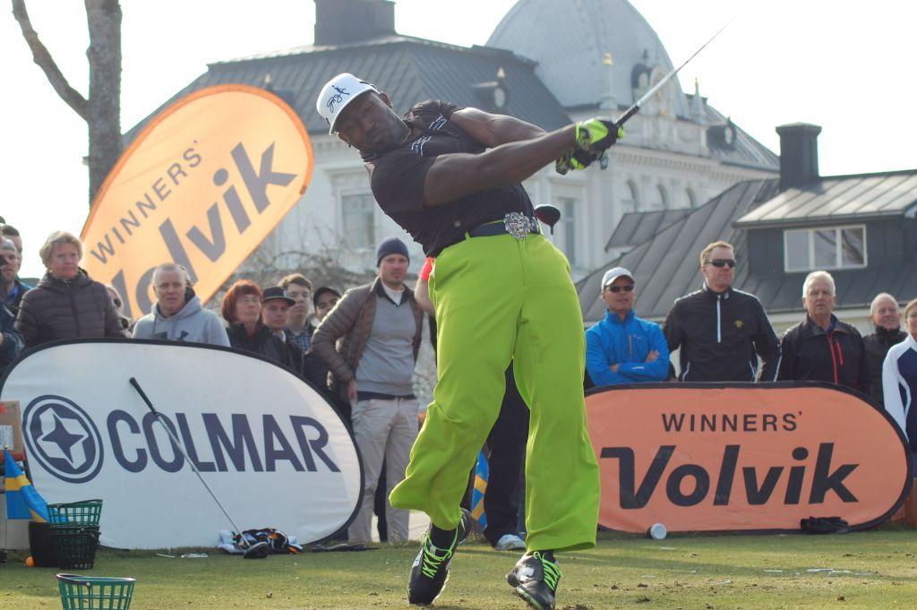 Täna näeb Eestis Guinnessi rekordiomanikku golfipalli löömises