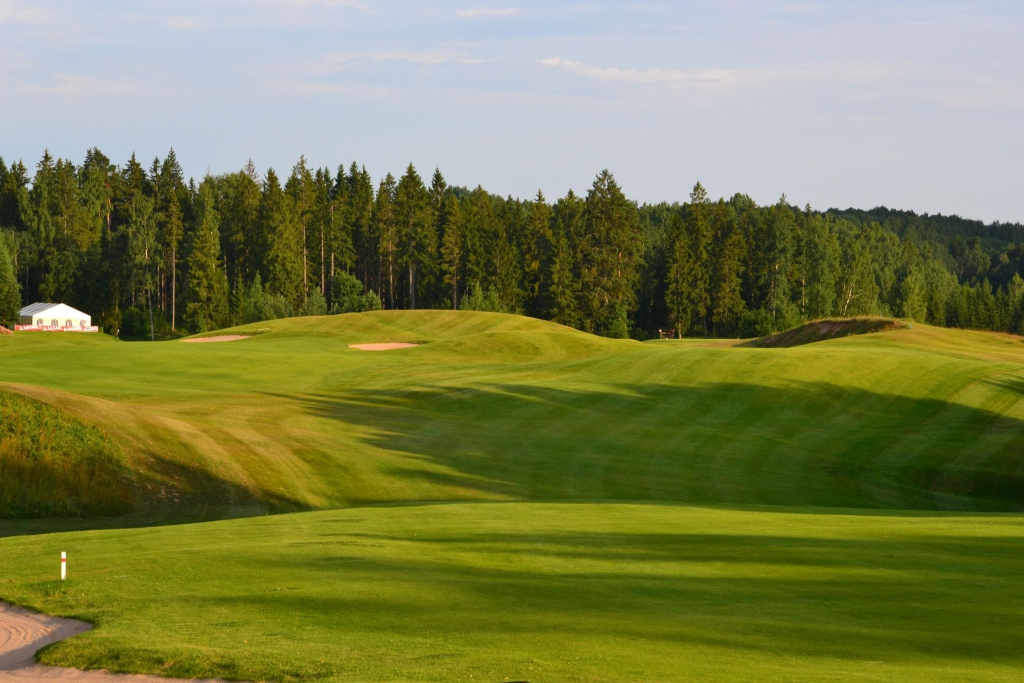 REKTORI KARIKAS! Tartu Ülikool koguneb Otepääle golfi nautima