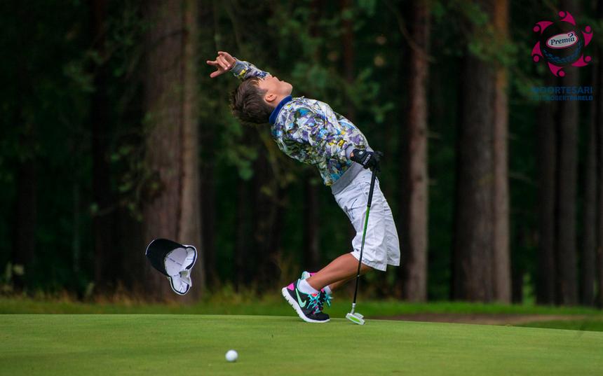 VÕISTLUS VÕÕRSIL! Noortesarja golfiturniir Lätis oli igati eriline