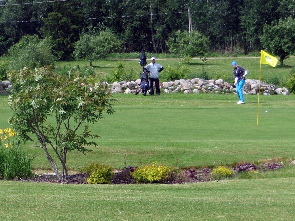 GOLF ON POPP! Ojasaare golfiklubil on tänavu tegus aasta