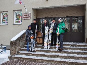 EOK TULEB KOOLI! Eesti Olümpiakomitee kingib koolidele suusavarustust