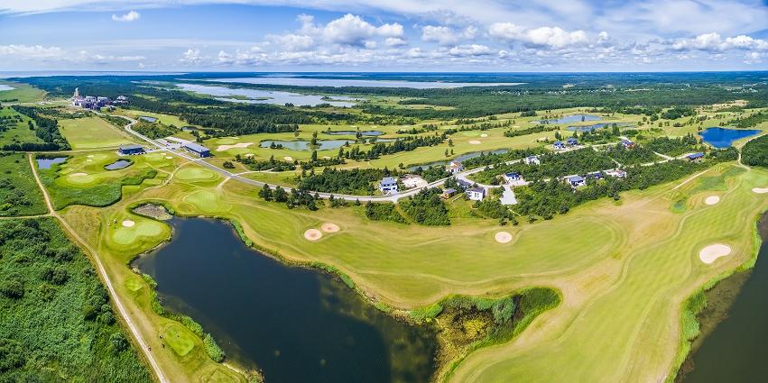 AJAKIRI GOLF! KEVADEL UUE HOOGA! Saare Golf hakkab rohelistest golfihuvilistest golfareid küpsetama