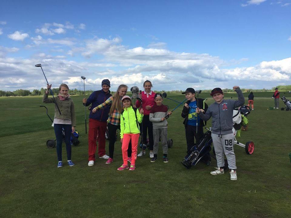 AJAKIRI GOLF! NOORED, GOLFI MÄNGIMA! Gert Velsbergi noortetrenn ootab golfarite juurdekasvu