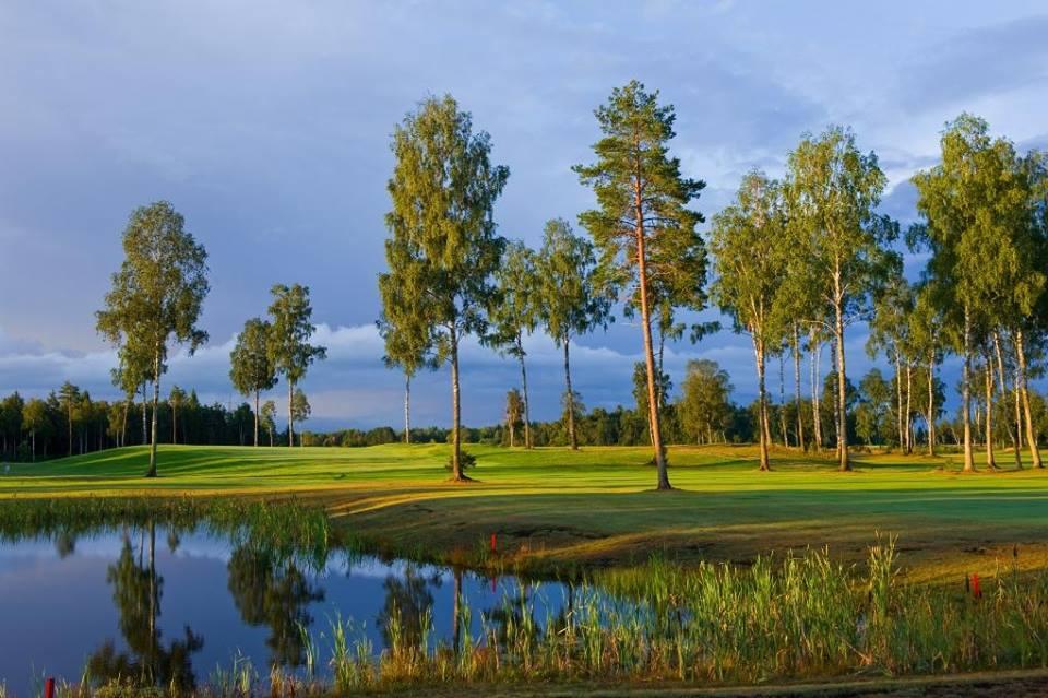 AJAKIRI GOLF! ALUSTA GOLFIGA! Suuresta golf ja Golf Experience lõid igakuised erinevatele tasemetele mõeldud programmid