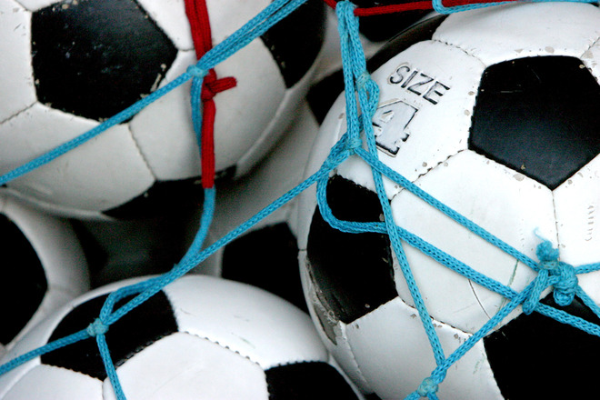 TÄNA! Kadriorus toimub parlamentide ja linnade vaheline Eesti-Soome jalgpalliturniir