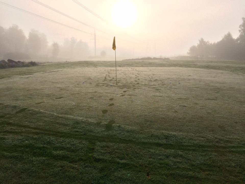 AJAKIRI GOLF! VIRUMAA KUTSUB! Ojasaare Öö tähendab põnevat golfimängu koidust koiduni