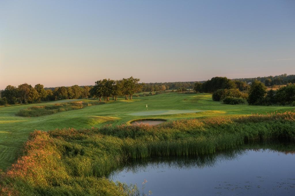 AJAKIRI GOLF! NÄDALAVAHETUS VALGERANNAS! White Beach Golf kutsub juustuhõngulisele golfimaratonile