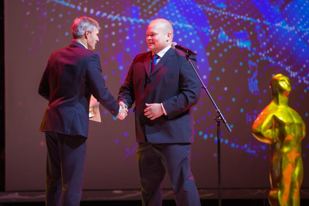 Aasta meessportlane 2015 - Mart Seim, auhinda annab üle olümpiavõitja Erki Nool Foto: Tiit Mõtus
