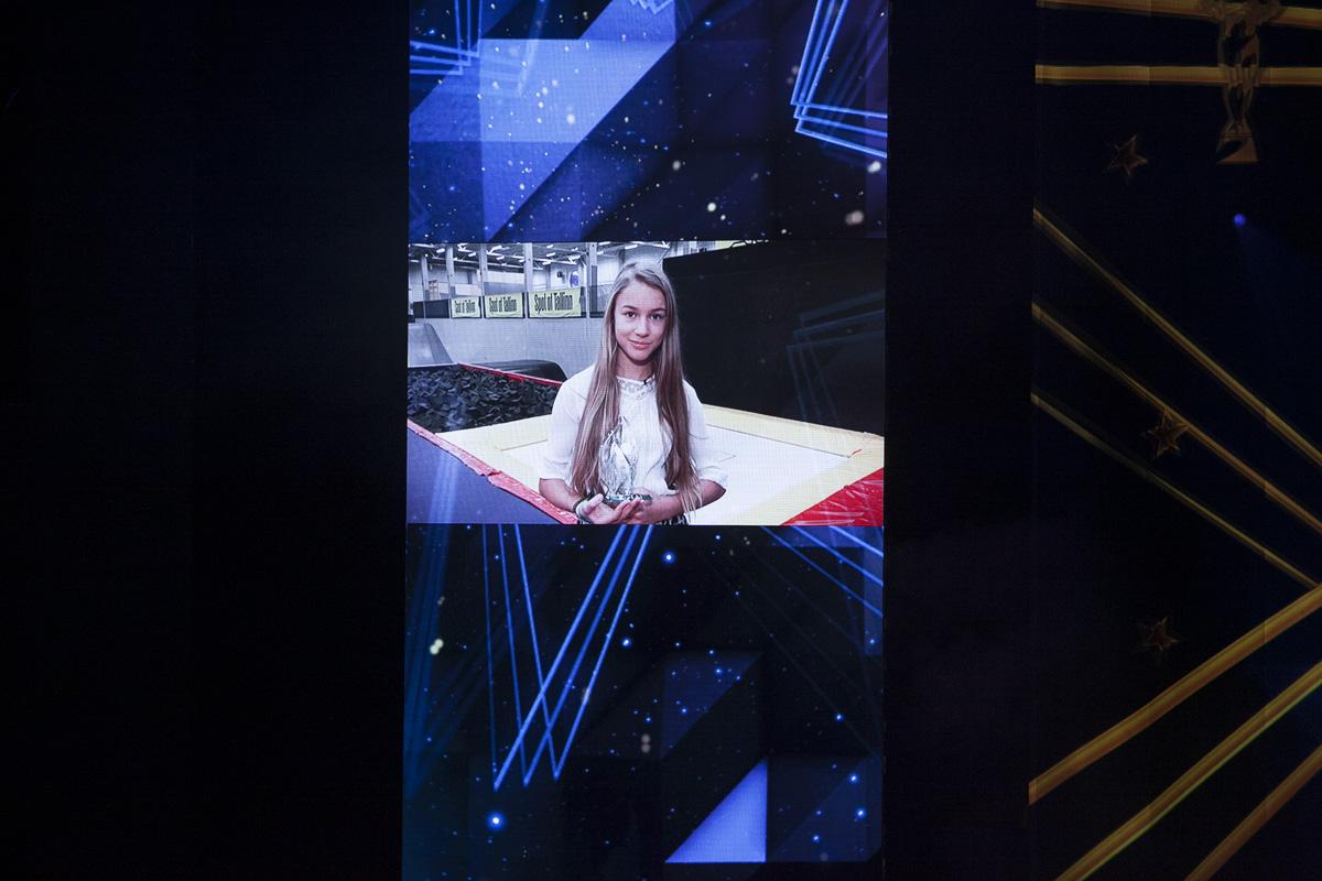 """Aplaus Kellyle! """"Spordiaasta Tähed 2016"""" auhinnagalal kuulutati Aasta Noorsportlaseks 2016 Kelly Sildaru"""