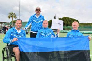 Vasakult Viljar Villiste, Mait Mätas, Urmo Voogla ja seisab treener Alar Milk