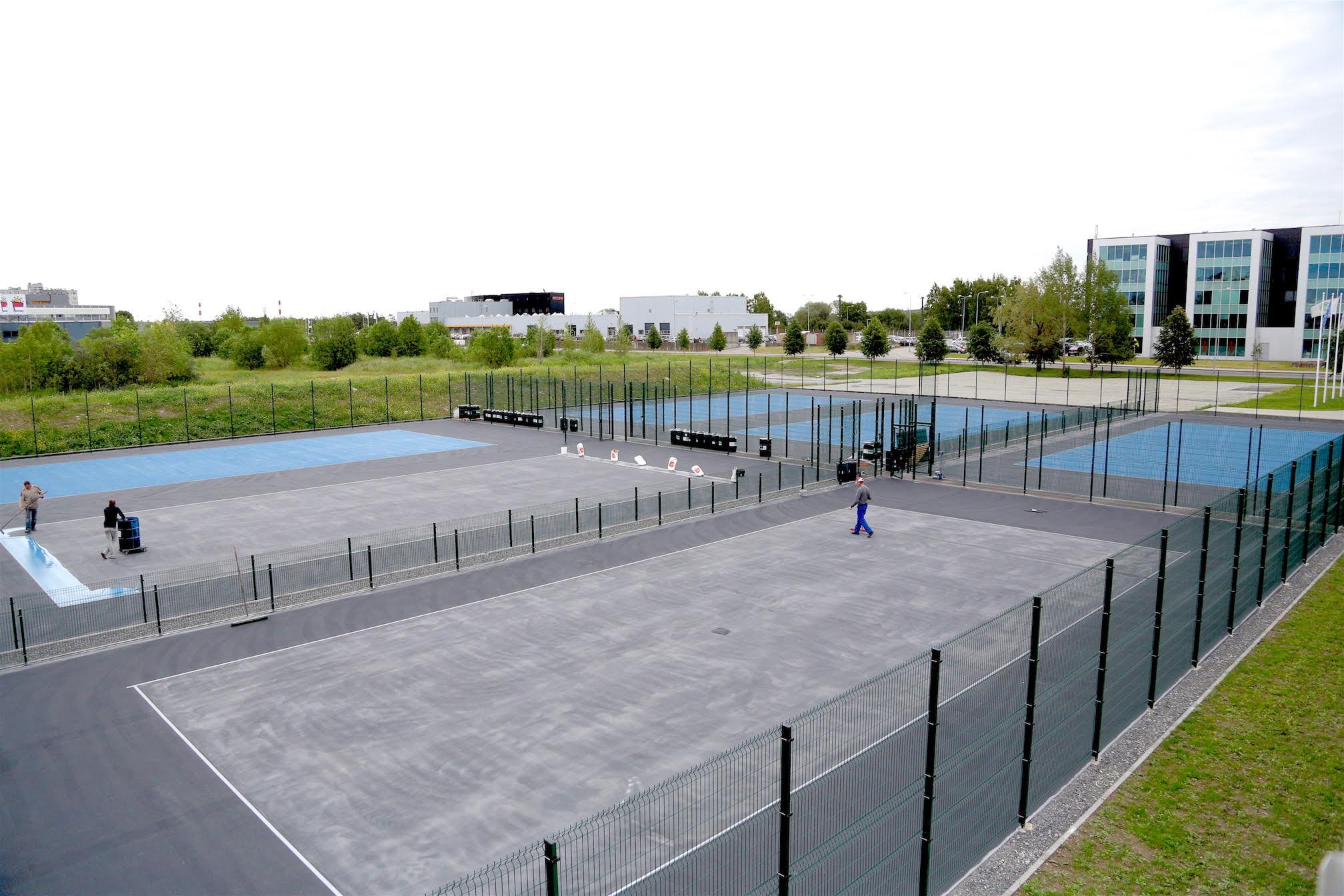 FOTOD! Tallink Tennisekeskuses valmivad uued tennise väliväljakud