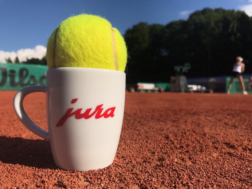 Jõgeva tenniseklubi arengut toetati tennisepallidega