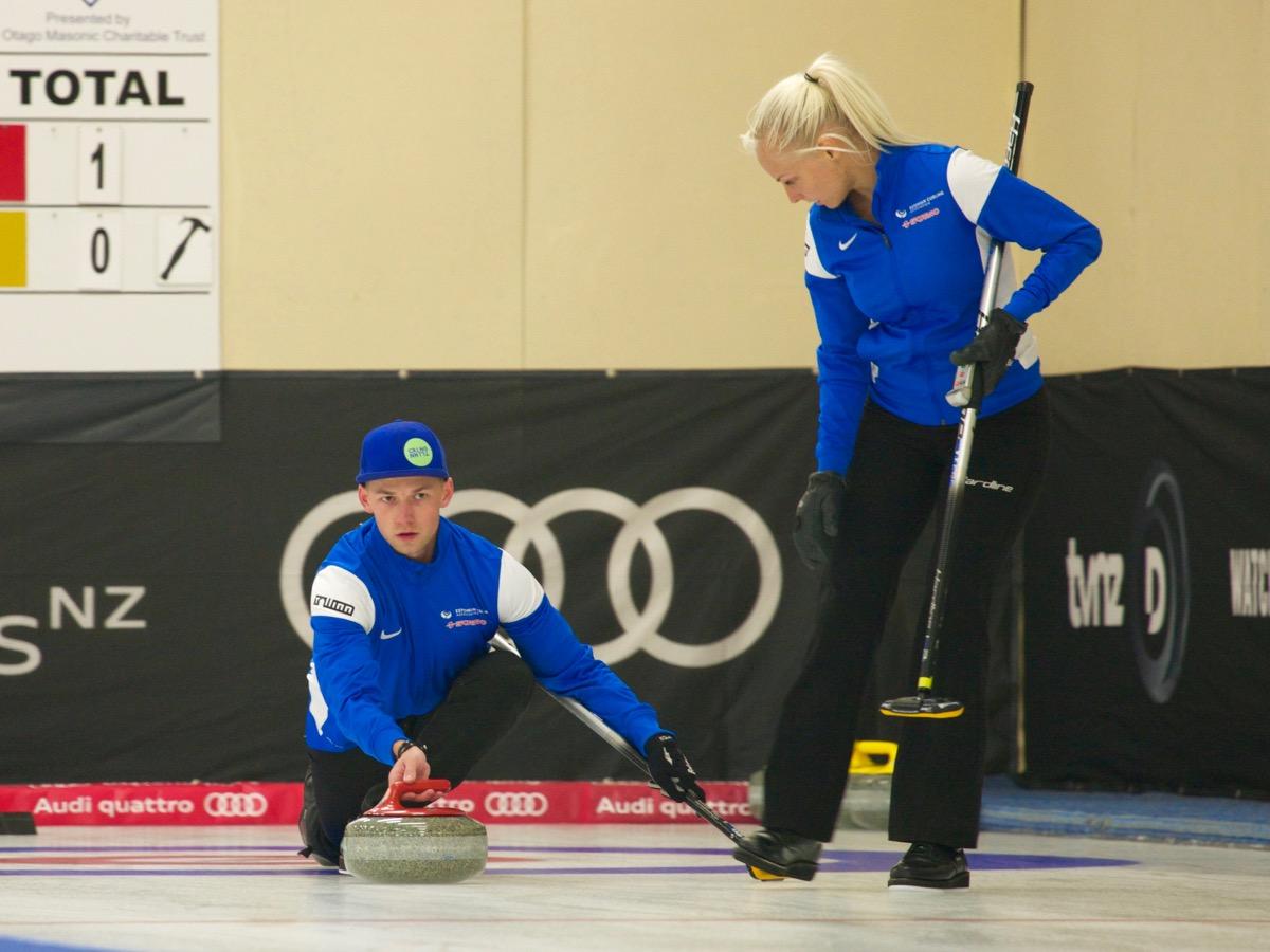 Eesti curlinguvõistkond pääses talimängudel poolfinaali