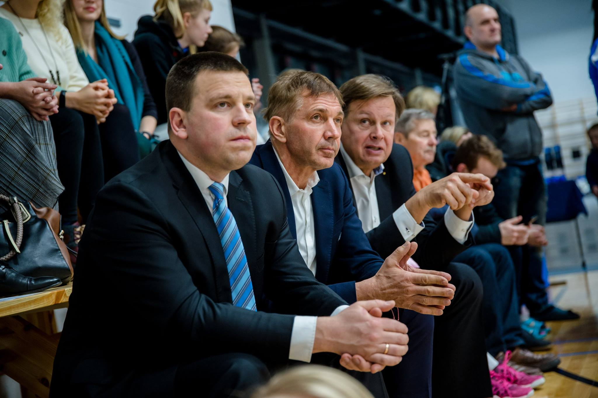 FOTOD! Jüri Ratas ja Urmas Sõõrumaa panid vehklejatele kaela EV100-le pühendatud Eesti meistrivõistluste medalid