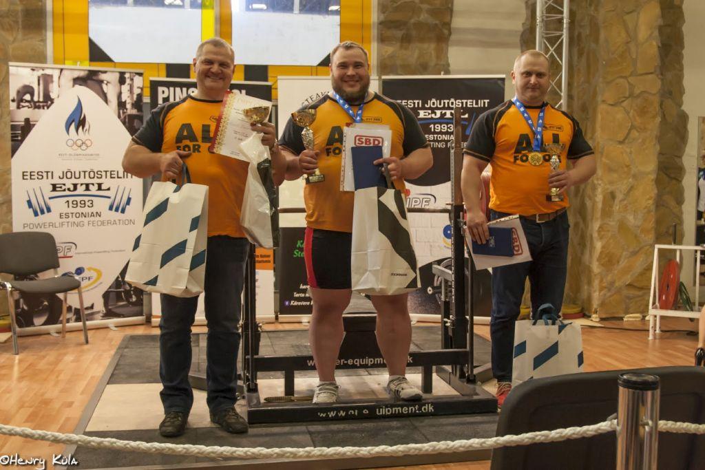 FOTOD! Eesti meistrivõistlustel lamades surumises purustati rekordeid