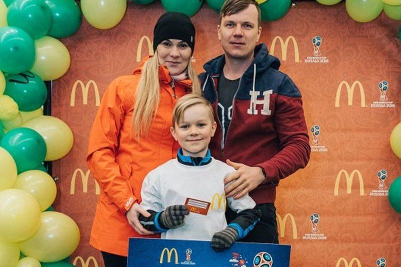 Jalgpalli MM-i finaalmängule sõidab 8-aastane Tristen Kool