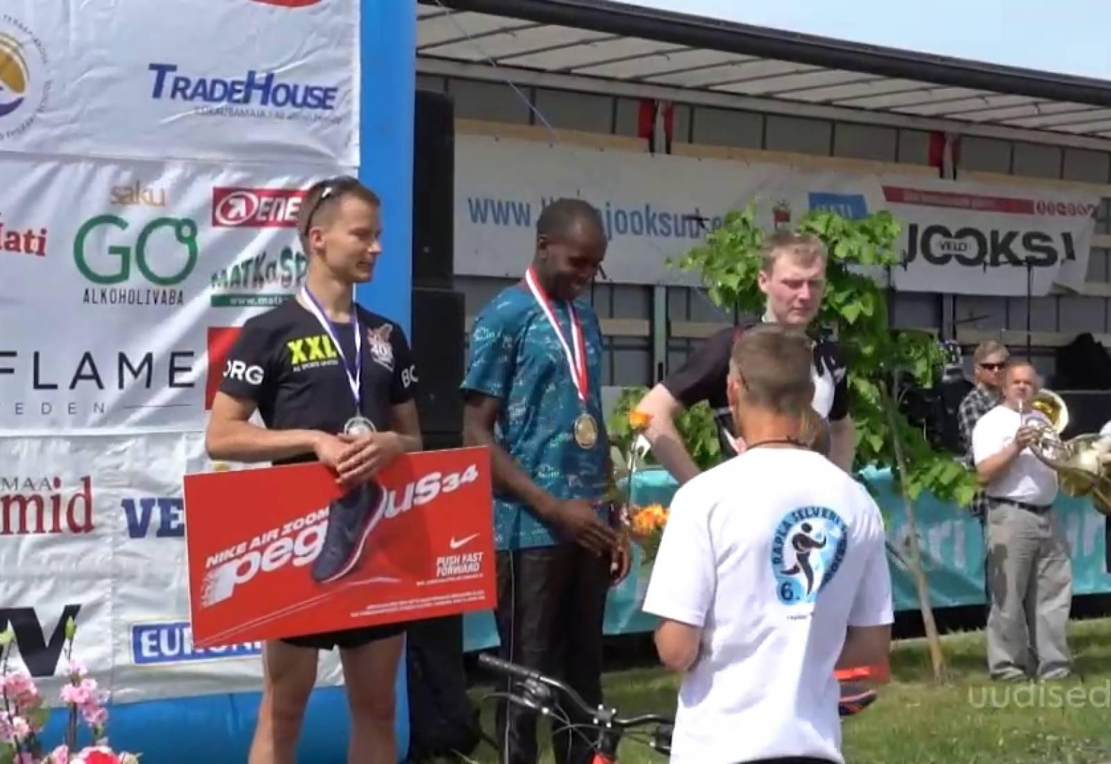 VIDEO! Rapla Suurjooksu võitnud Ibrahim Mukunga: treenin ka öösel
