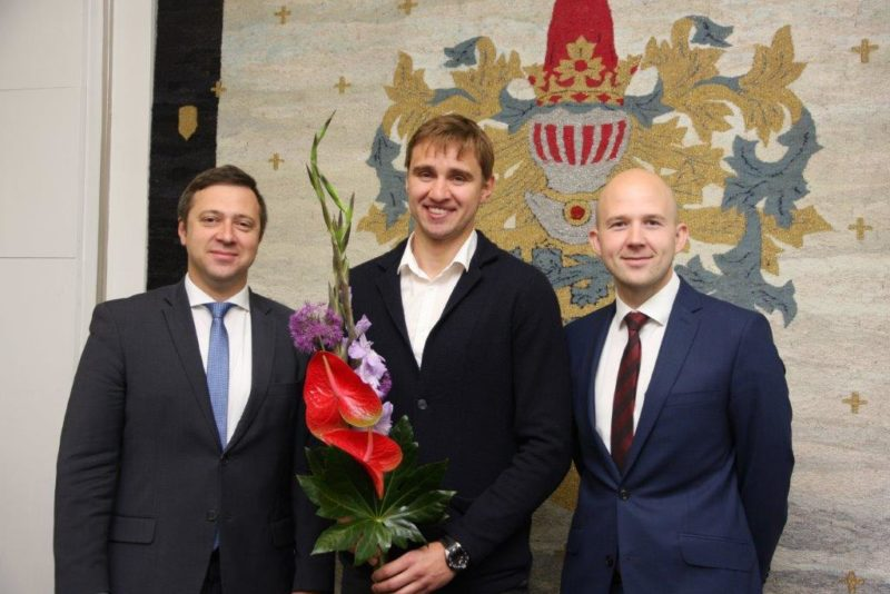 Tallinn premeerib edukat vehklejat Nikolai Novosjolovit ja tema treenerit