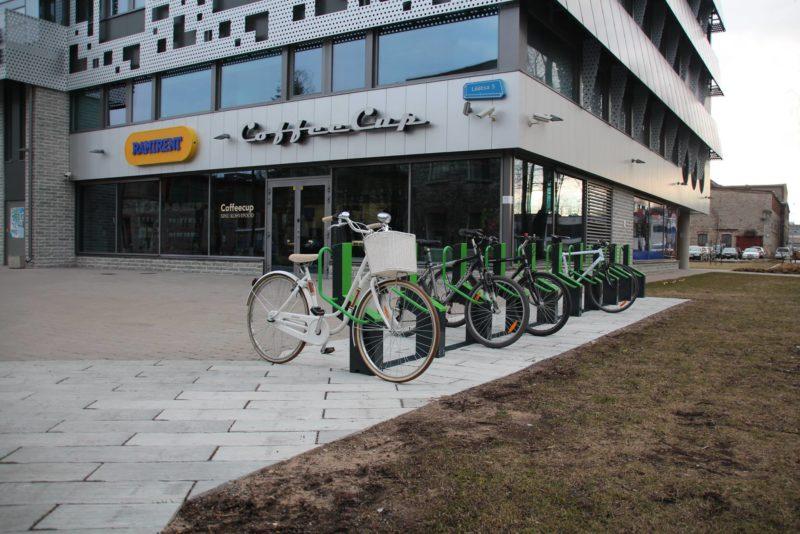 Head uudised! Tallinnasse paigaldati viis elektroonilist jalgrattaparklat