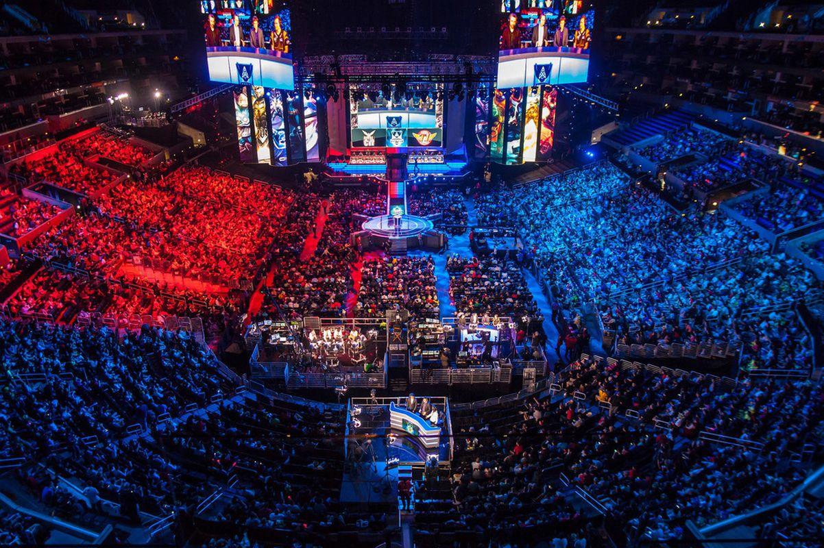 Maiuspala e-spordi fännidele: Coca-Cola Plaza teeb League of Legends EM-st otseülekande