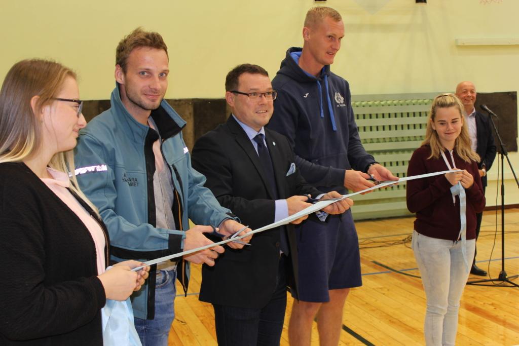 Viljandi Kaare kooli võimla sai paremaks