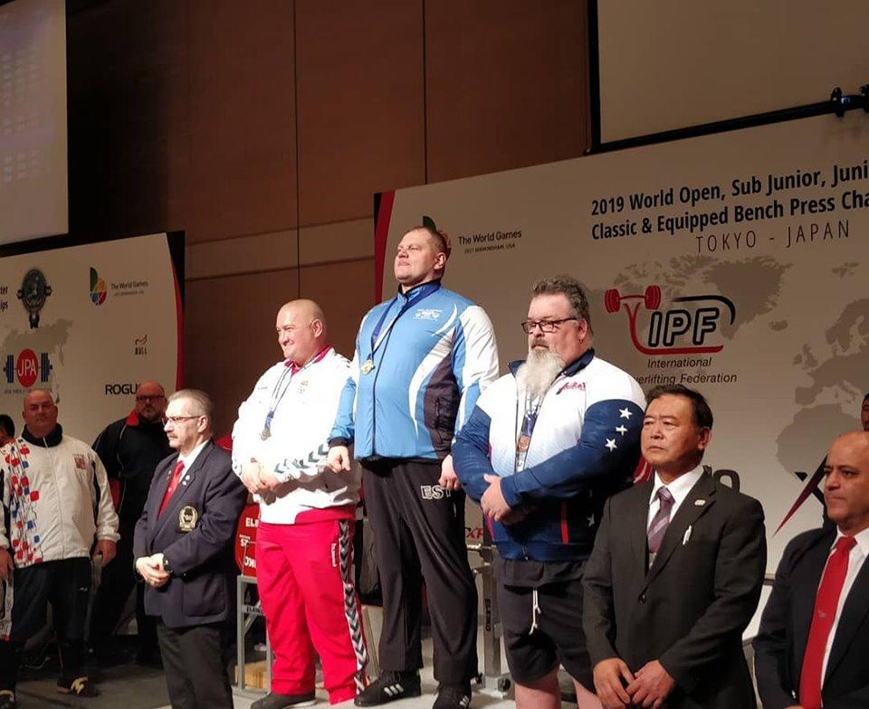 VÕIMAS I Kaido Leesmann tuli maailmarekordiga jõutõstmise maailmameistriks