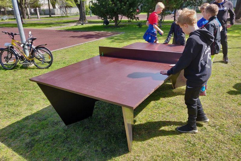 Põhja-Tallinnas on taas võimalik vabas õhus lauatennist mängida