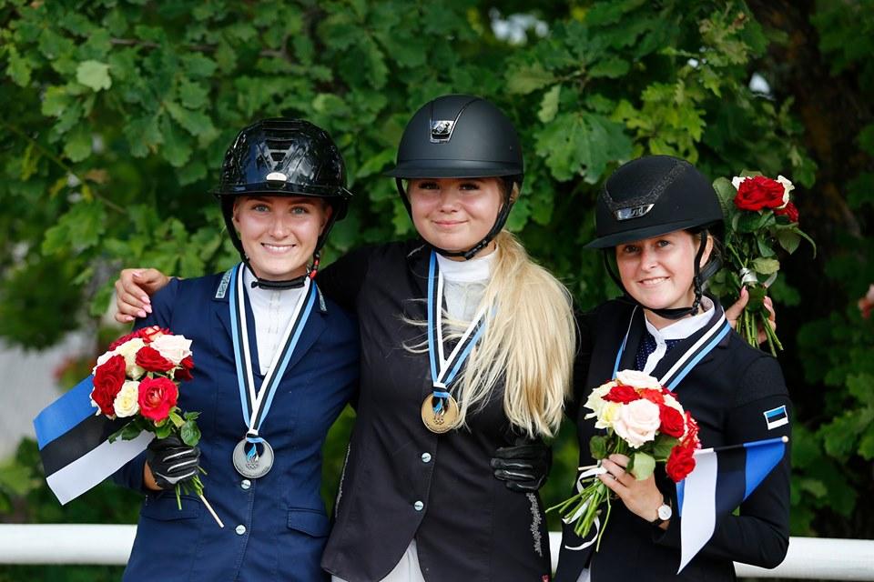 Selgusid Eesti meistrid ratsutamise takistussõidus