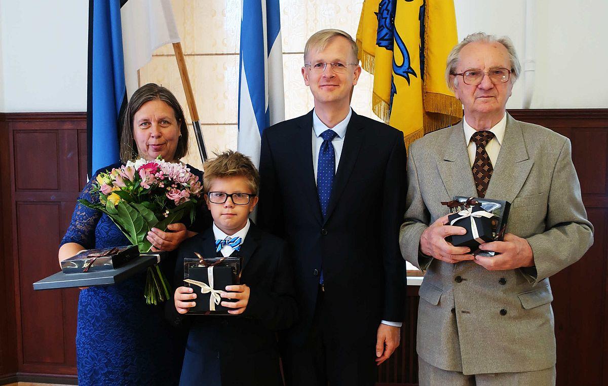 NII TORE POISS! Tallinna volikogu esimees õnnitles 11-aastast kabe maailmameistrit