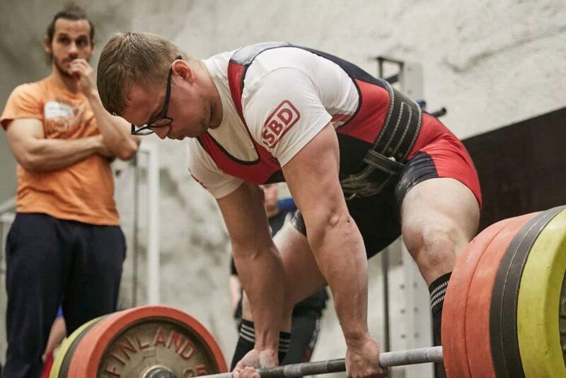 Eesti meistrivõistlustel jõutõstmises võidutsesid Veelmaa ja Kuusnõmm