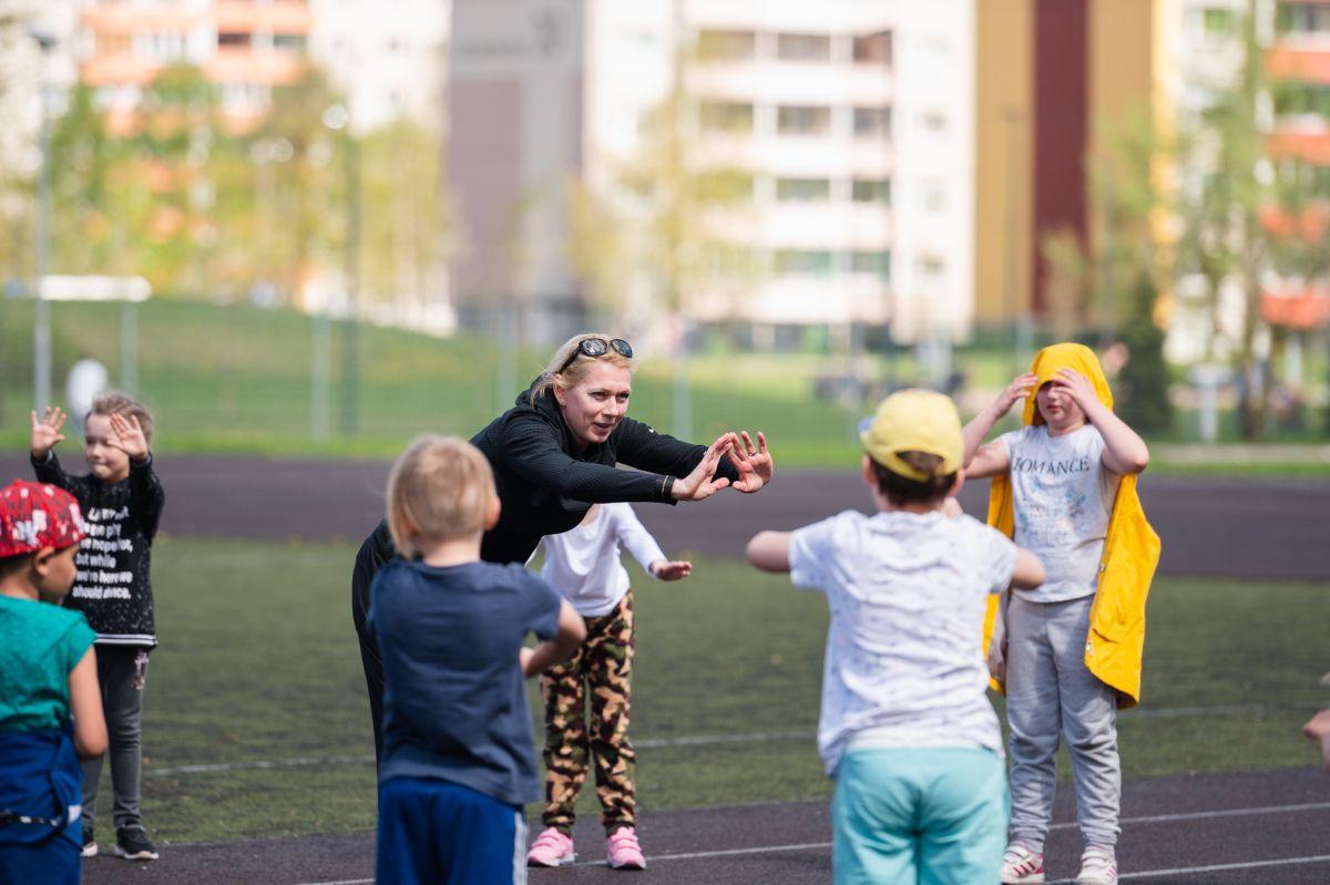 FOTOD I Tallinna päeva spordipäeval külastasid koole Kristina Šmigun-Vähi, Kregor Hermet ja teised