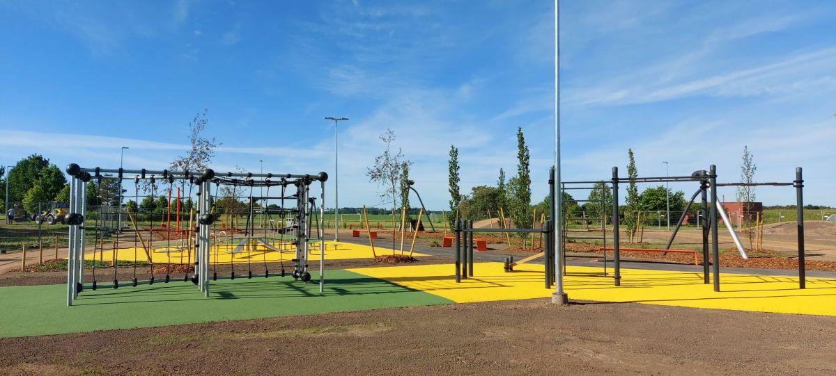 Ilmatsalu lastele avatakse 200 000-eurone vabaajaväljak