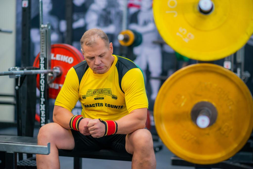 Eesti Raskejõustiku Akadeemias saab treenida oma ala spetsialistide käe all